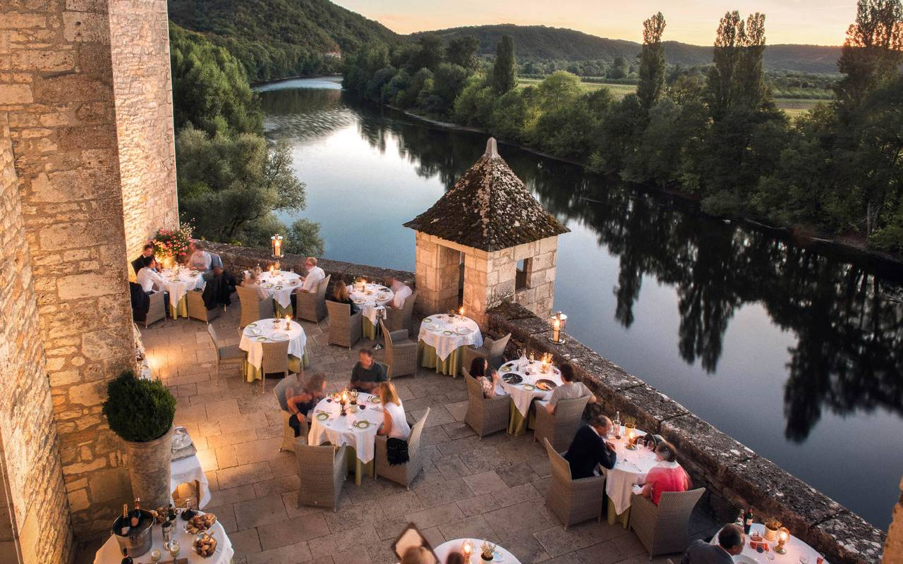 View on the Dordogne Valley of terrace restaurant - 4-star hotel dordogne