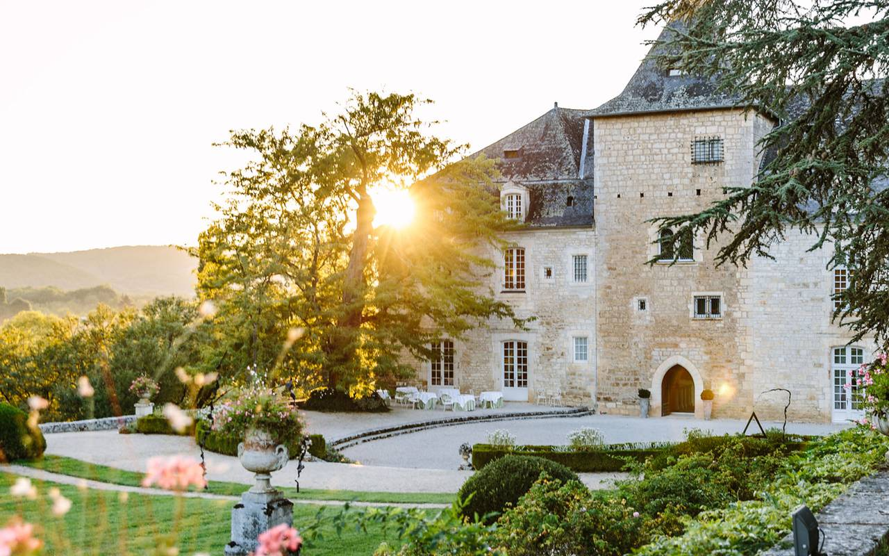 Castle courtyard - Luxury hotel dordogne