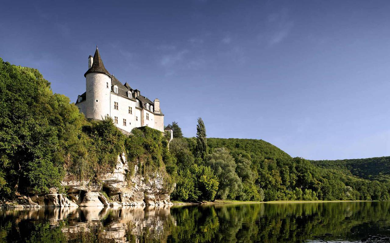 View of Château de la Treyne of the Dordogne - Stay in dordogne