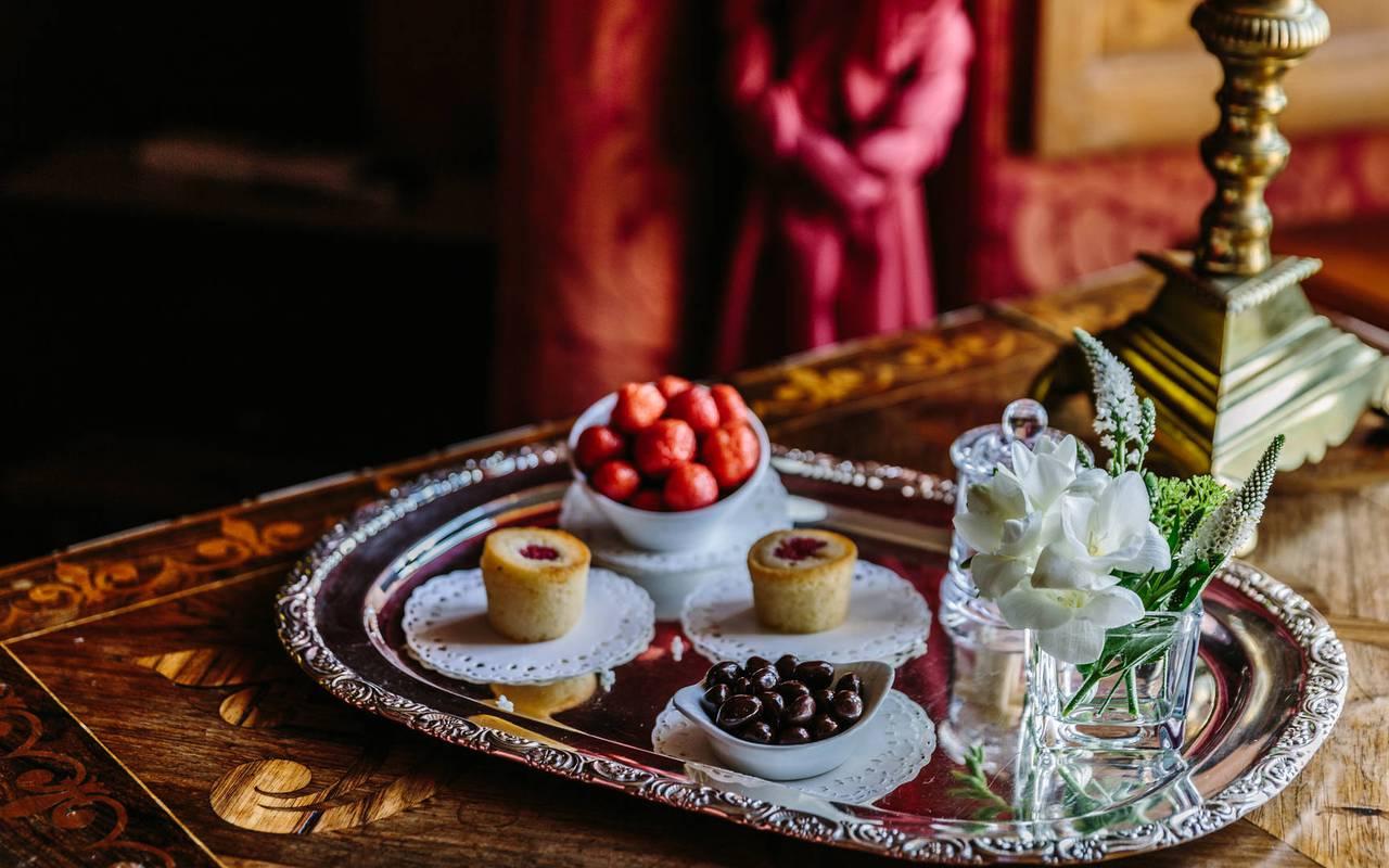 Room service tray Louis XIII room - Luxury hotel lot
