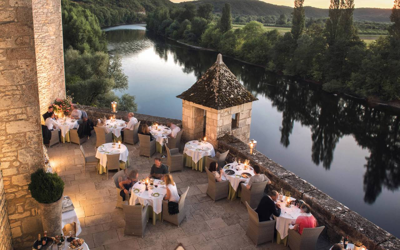 gourmet restaurant with terrace Dordogne