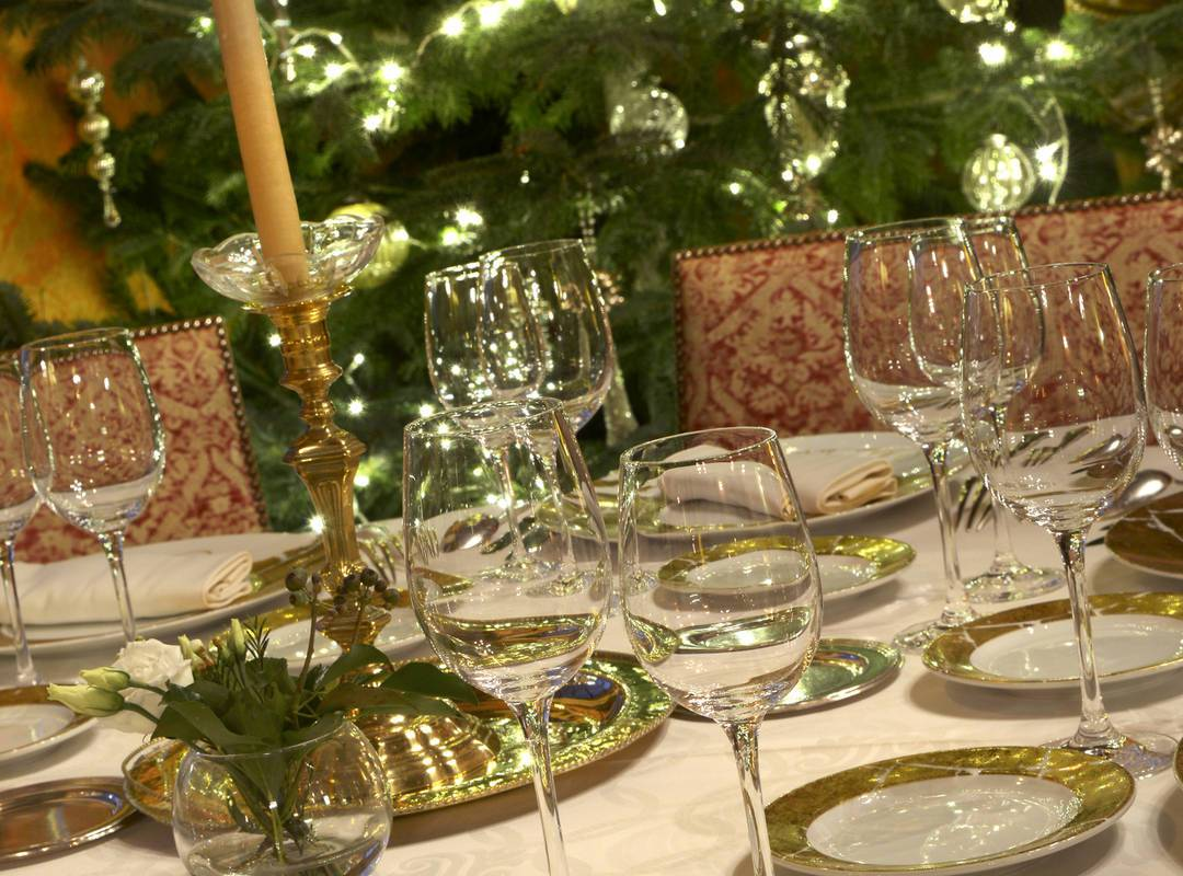 Christmas meal table - hotel lot