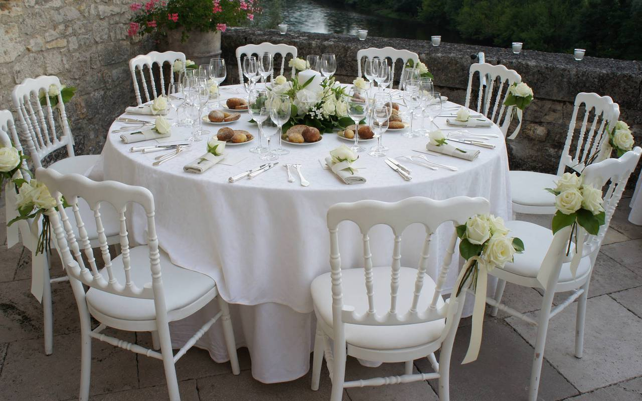 Wedding table in chateau de la treyne - hotel chateau dordogne