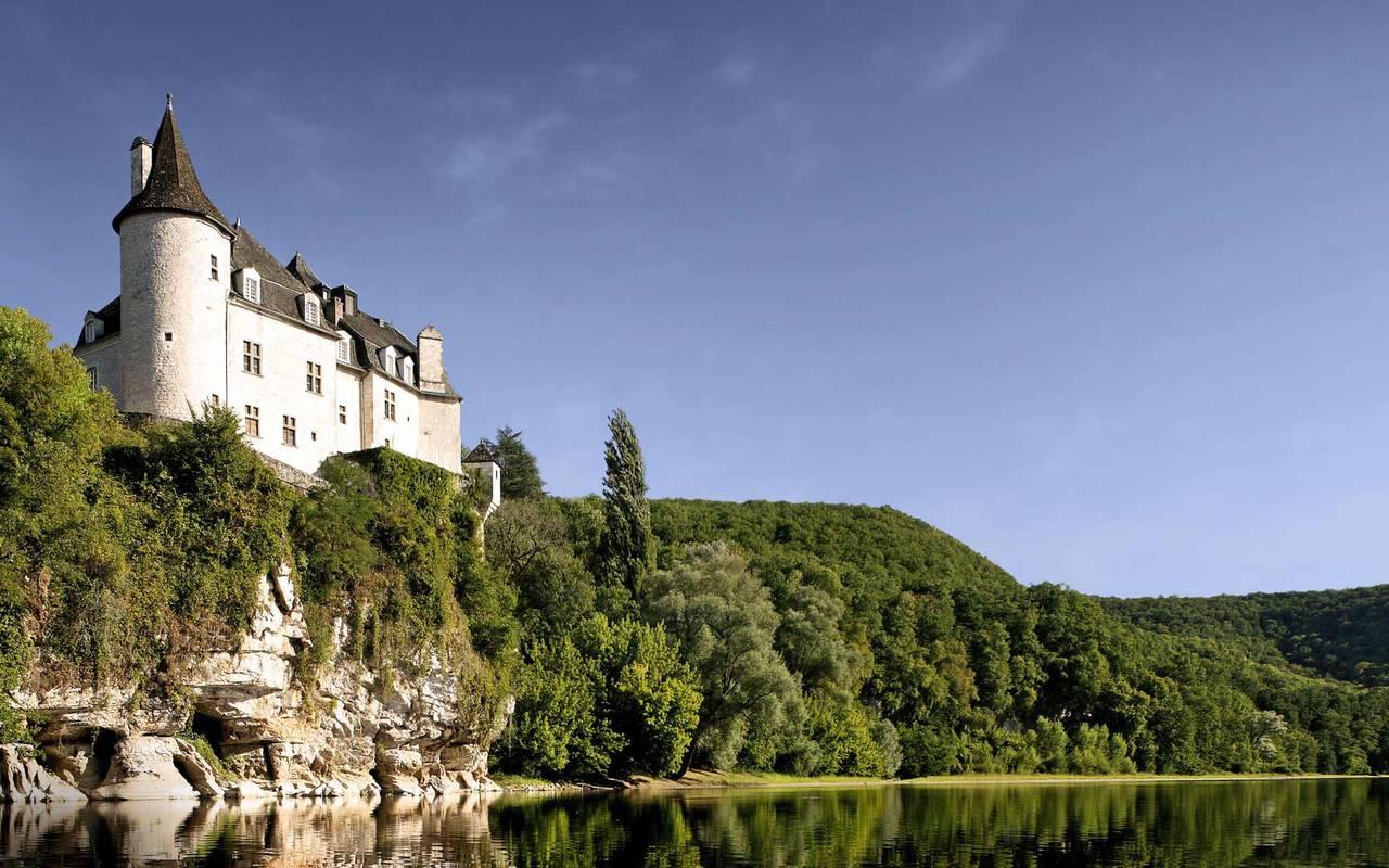 Chateau hotel en Dordogne : le Château de la Treyne