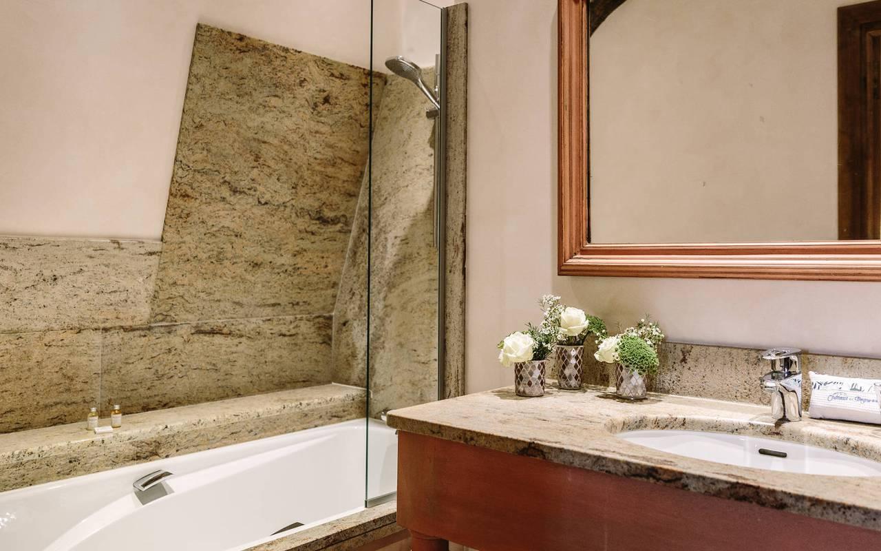 Salle de bain chambre enfant modele - hotel de charme dordogne
