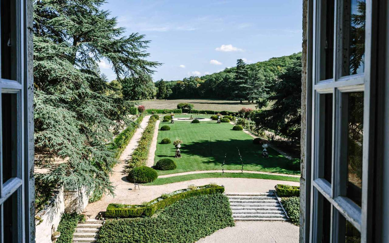 Vue Jardin dans chambre Henri IV - hotel 4 étoiles Dorodgne