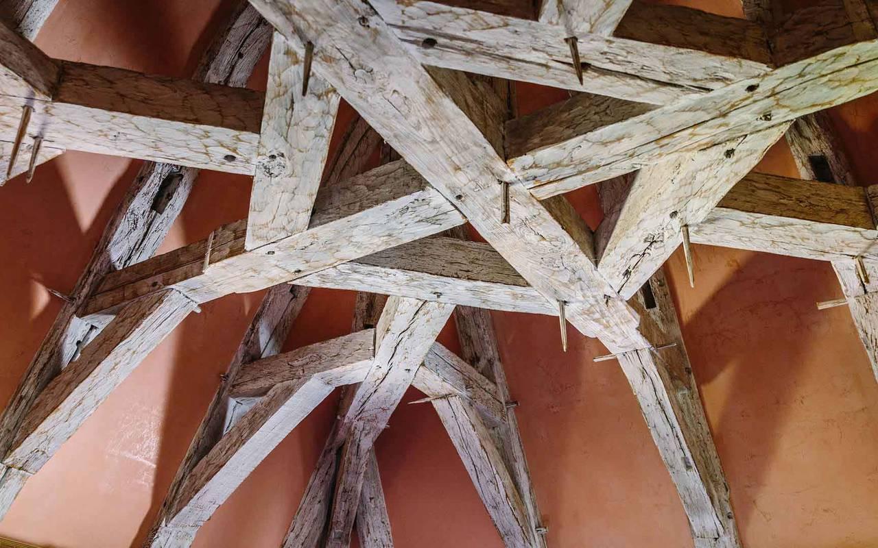 Poutres dans la chambre Cardinal - chateau de la treyne