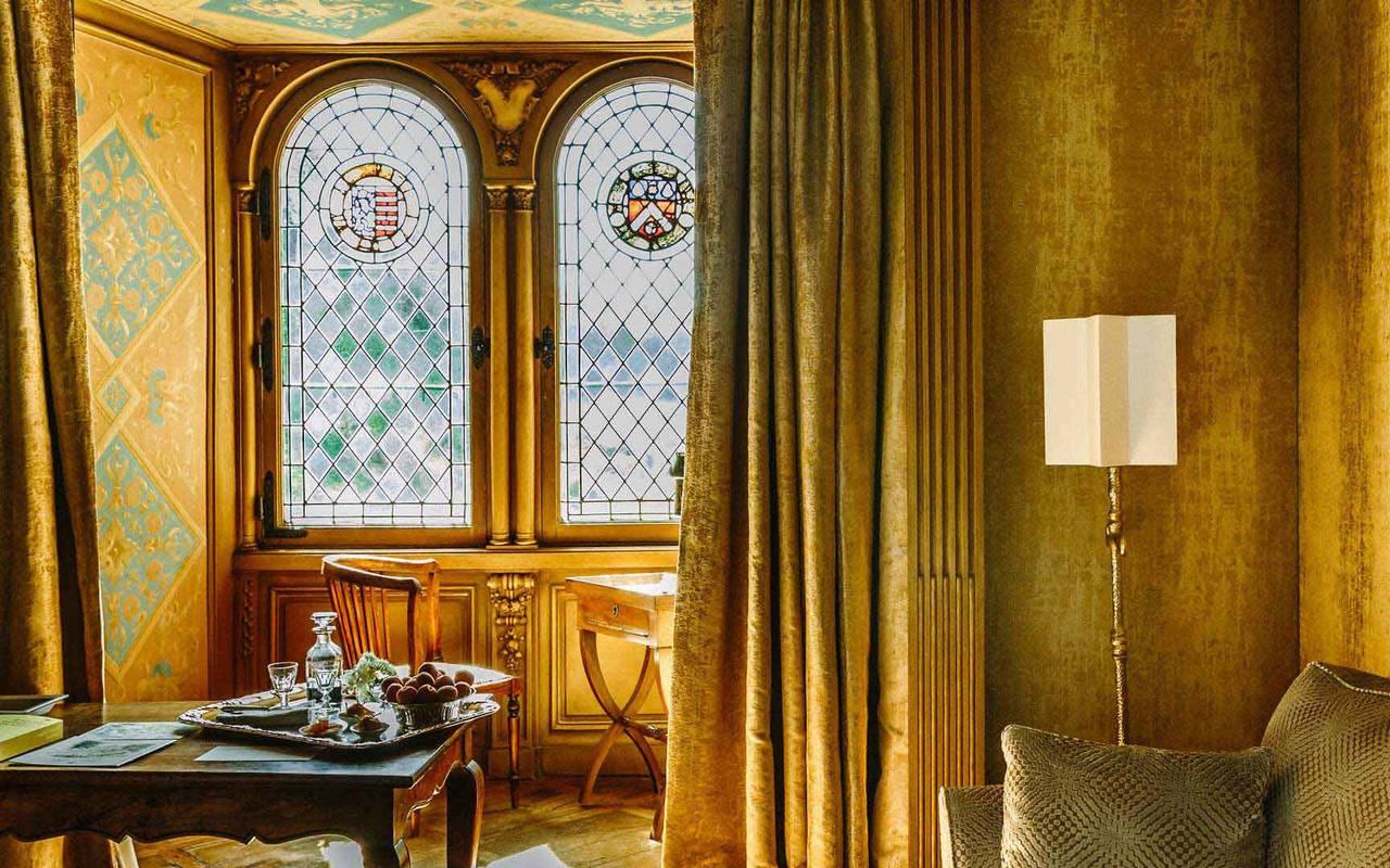 Fenêtre et vue sur la chambre Soleil Levant - relais château Dordogne