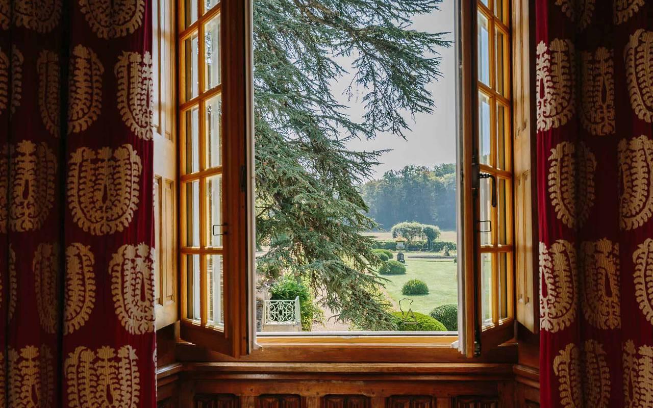 Vue chambre gothique - Chateau hotel dordogne