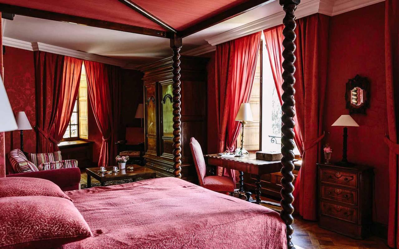 Lit dans chambre Louis XIII - Hotel pres de Sarlat