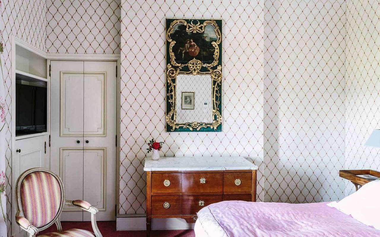 Lit dans la chambre Louis XVI - Hôtel de luxe Dordogne