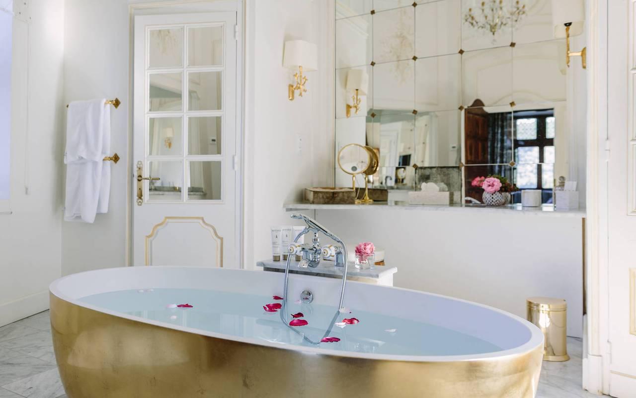 Salle de bains chambre la favorite - chateau de la treyne