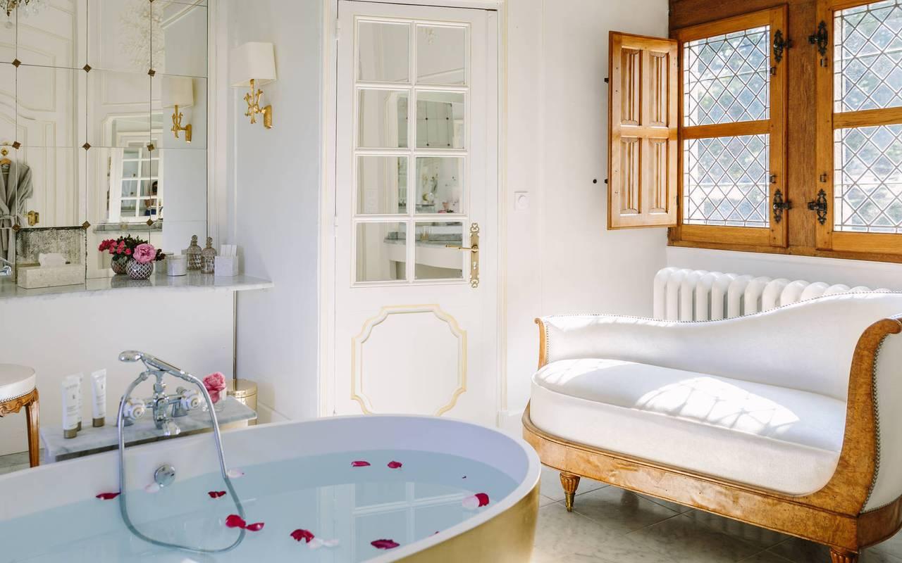 Salle de bain dans chambre la favorite - Hotel Dordogne