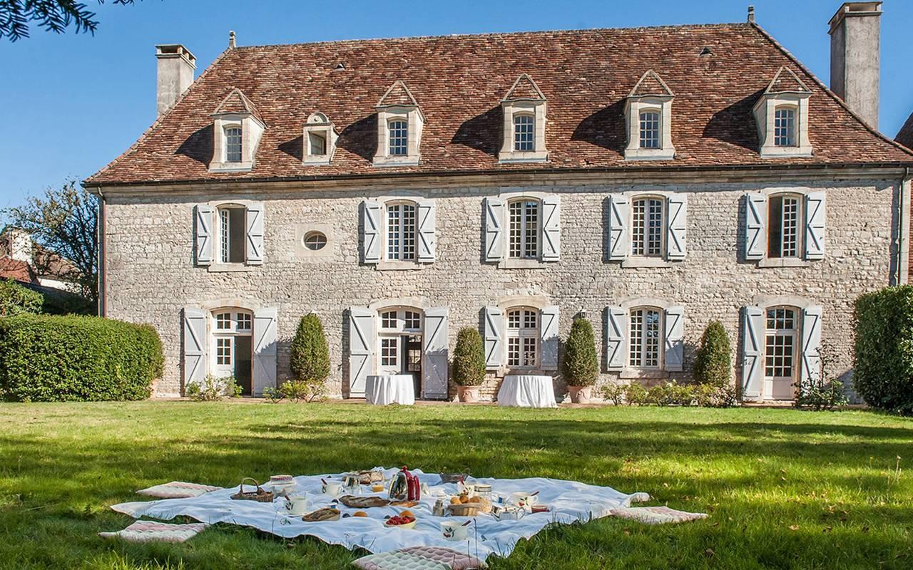 Vue sur la maison chartreuse - chateau hotel dordogne