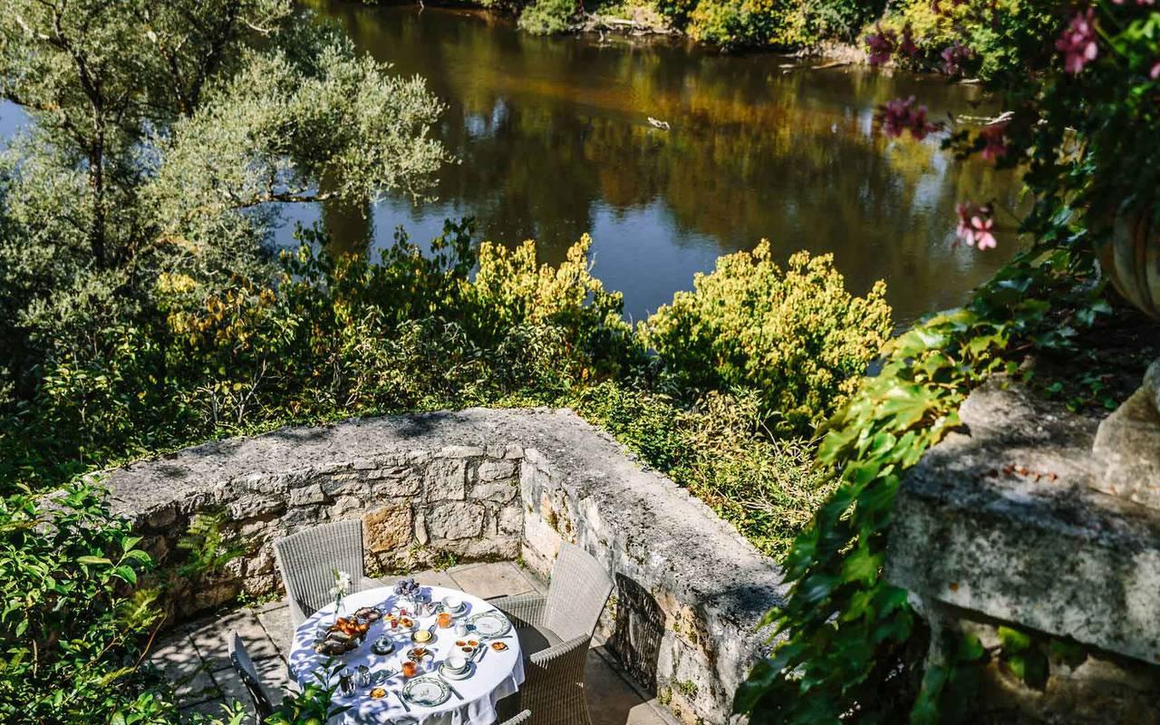 Restaurant Lacave avec terrasse Château de la Treyne