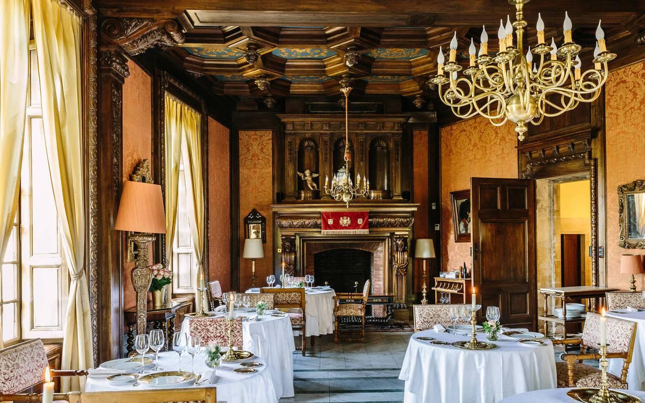 Grande Salle de restaurant Hôtel deluxe dans le Lot Château de la treyne