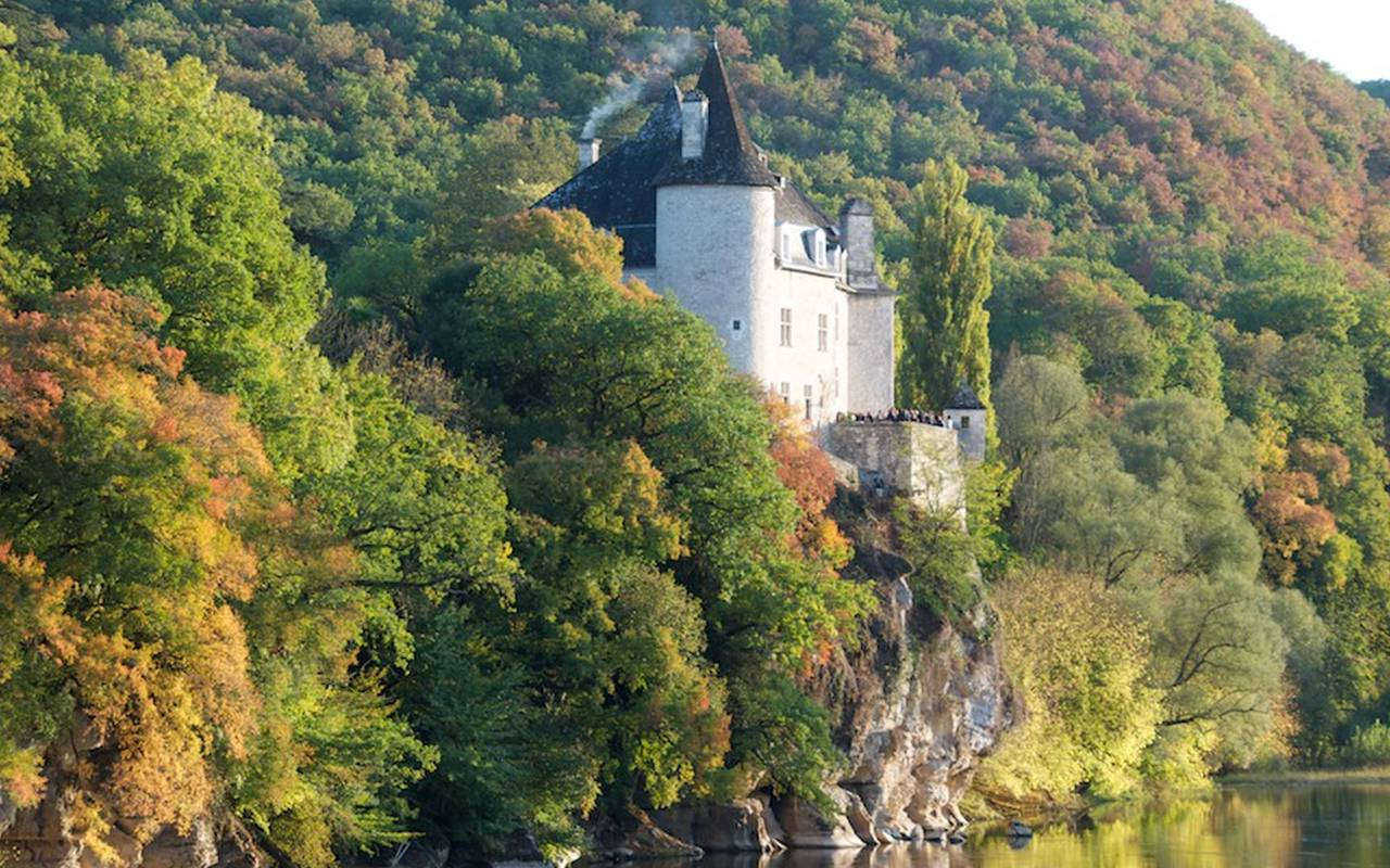 Château 4 étoiles au bord de la Dordogne