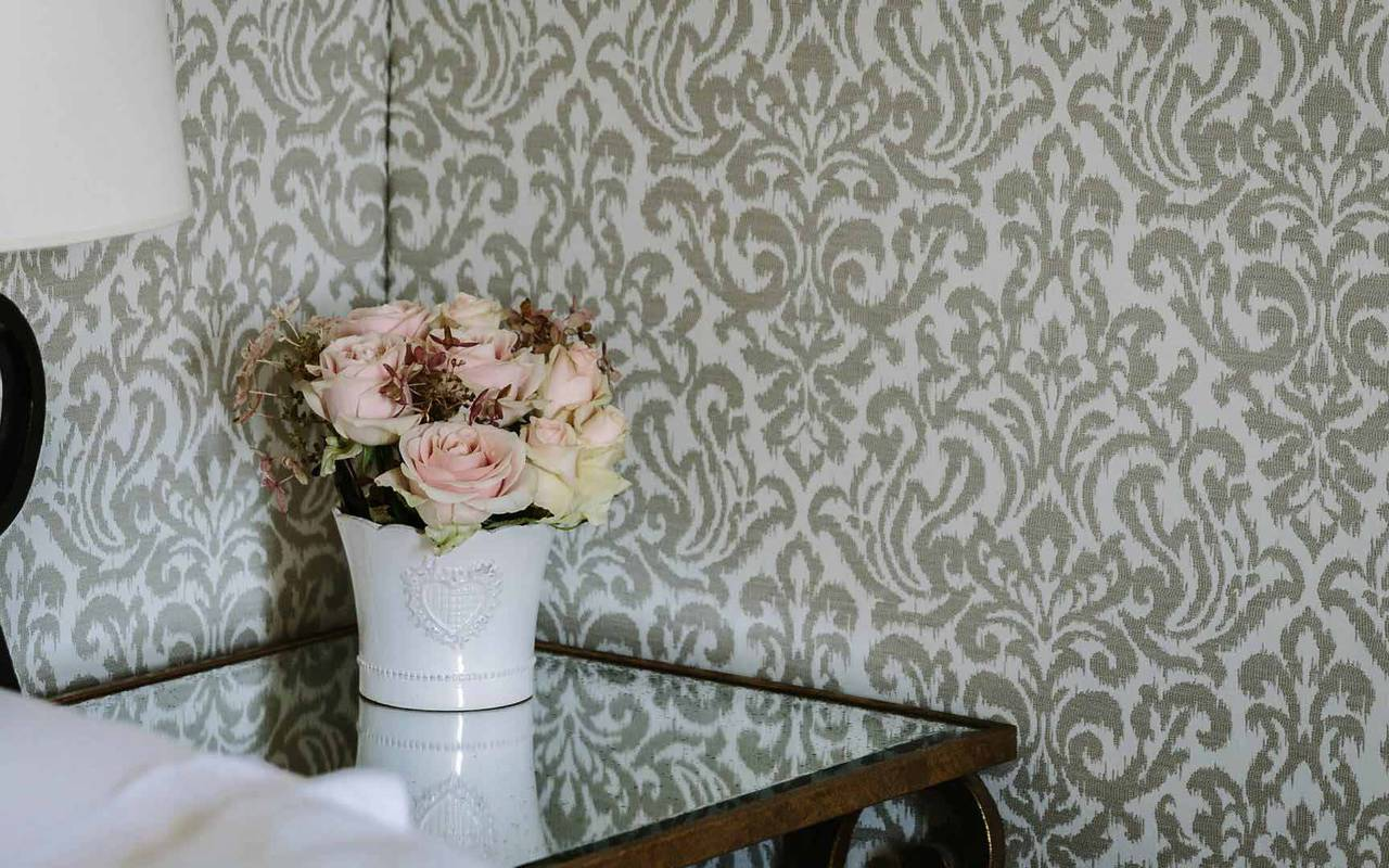 Fleurs dans chambre le duc - hotel lot