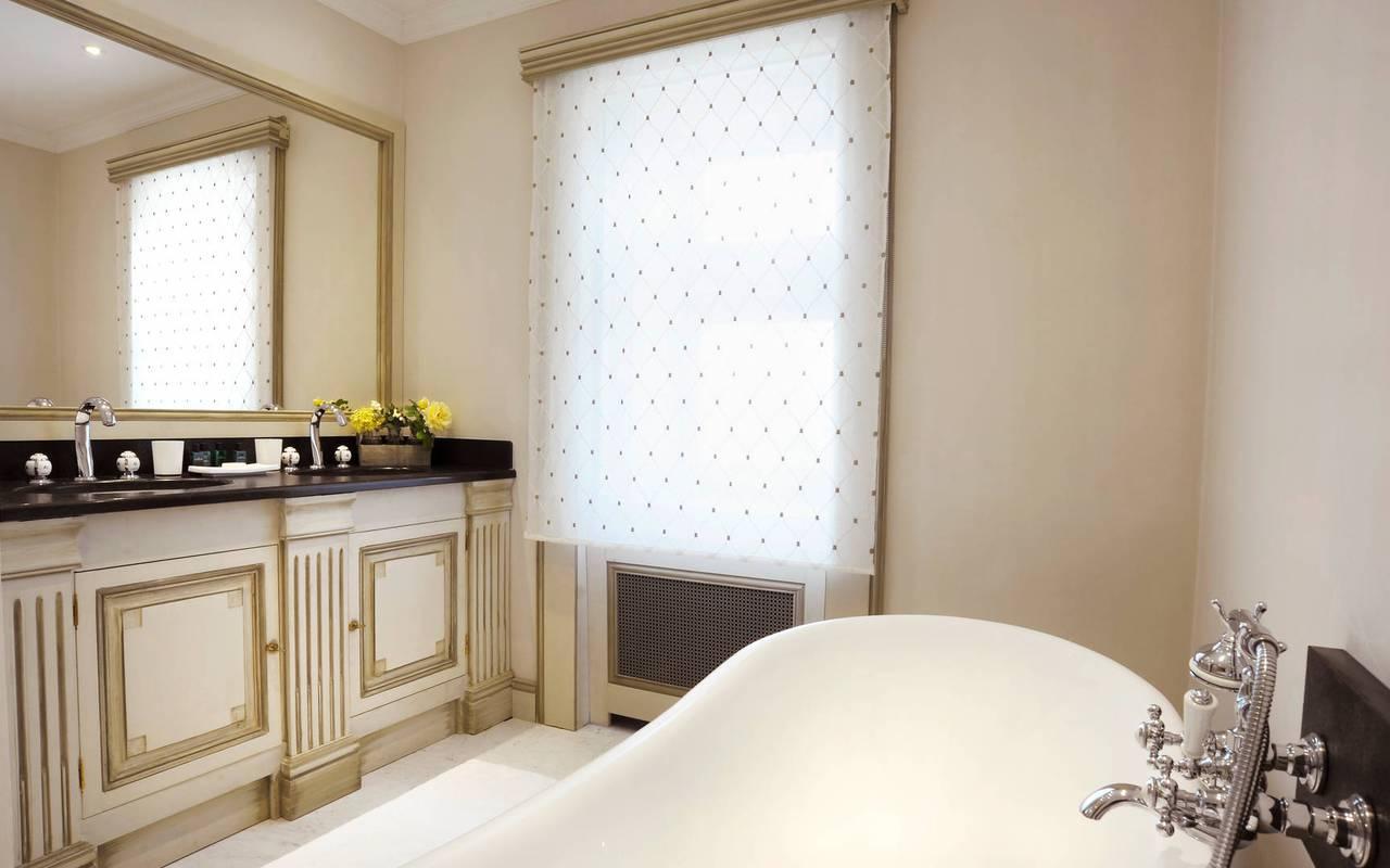 Salle de bain chambre Louis XVI - Hôtel de charme Lot